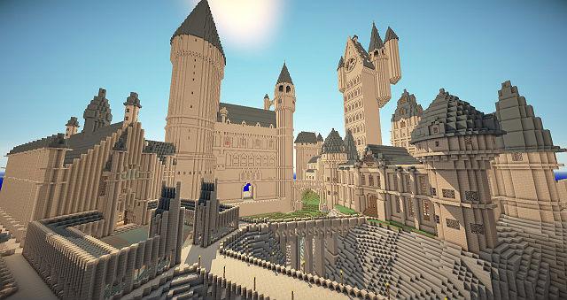 Скачать карту для Minecraft с построеным замком